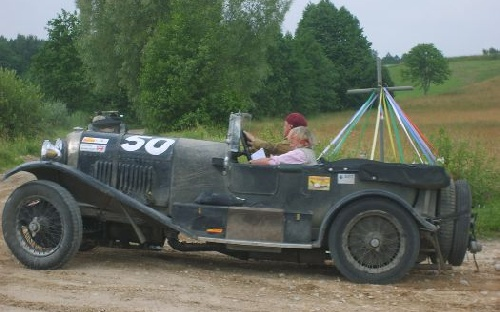 54 Robert Abrey(GB) / Jane Abrey(GB)	1928 - Bentley 4.5 Le Mans poj.4398