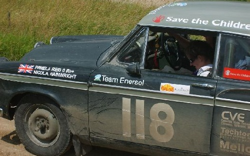 118 Pamela Reid(GB) / Nicola Wainwright(GB), 1960 - Sunbeam Rapier Saloon, poj.1592