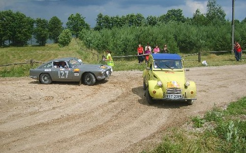 113 Simon Chance(GB) / Elizabeth Chance(GB) 1965 - Citroen 2CV6 poj.602 i 127 Roy Stephenson(GB) / Frederick Robinson(GB) 1960 - Aston Martin DB4 poj.4000